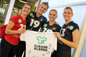 x43 Action Yellow tigers  cleane kleren Wereldsolidariteit 2
